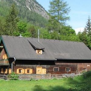 SEF-SBG Zederhaus Hütte/Hut 8 Pers.