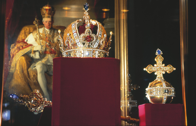 Krone Kaiser Rudolfs II. (Rudolfskrone), Schatzkammer / Kaiserliche Kostbarkeiten