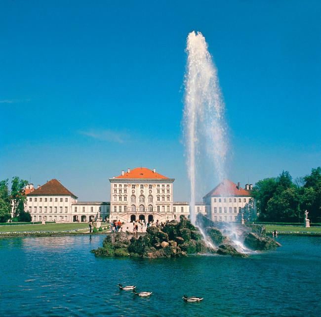 Schloss Nymphenburg / Hop on Hop off Grand Circle