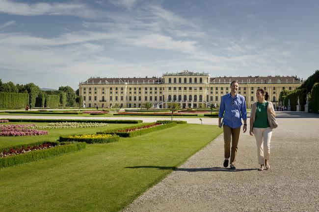 Schloss Schönbrunn / Stadtrundfahrt mit Schönbrunn