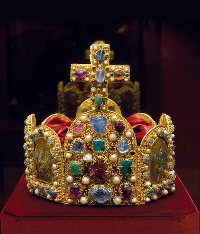 Krone des Heiligen Römischen Reiches (Reichskrone), Kaiserliche Schatzkammer / Kaiserliche Schatzkammer Wien
