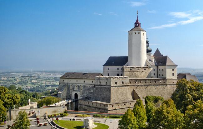 Burg Forchtenstein / Burg Forchtenstein