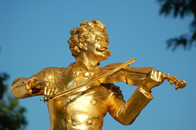 Straussdenkmal im Stadtpark / Museum der Johann Strauss Dynastie