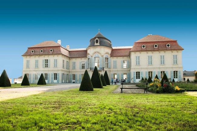 Schloss Niederweiden / Hof Castle & Niederweiden Castle